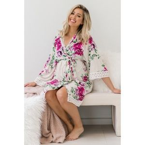NWT!💎Gorgeous Floral Delivery/Nursing Robe🎀💝